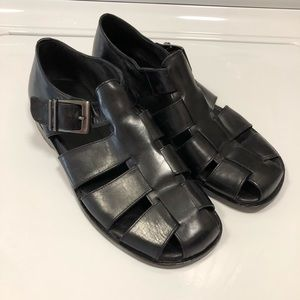 Johnston & Murphy black sandals